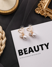 Fashion Love 925 Silver Needle Pearl Openwork Delicate Ball Heart Earrings