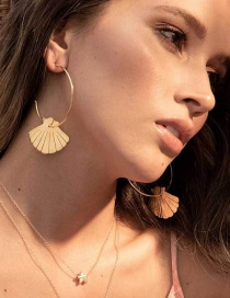 Fashion Gold C-shell Earrings