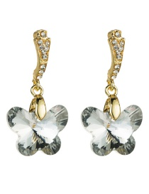 Fashion White Diamond Earrings With Diamonds