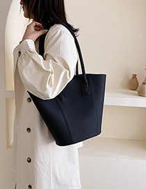 Fashion Black Solid Color Shoulder Bag Diagonal Cross Package