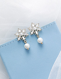 Fashion White 925 Silver Needle Snowflake Earrings