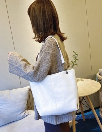 Fashion White Buckle Soft Leather Shoulder Messenger Bag