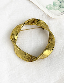 Fashion Gold Alloy Twisted Round Brooch