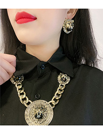 Fashion Yellow Embossed Lion Head Necklace Set