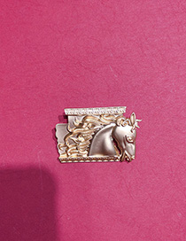 Fashion Golden Embossed Steed Gallop Brooch