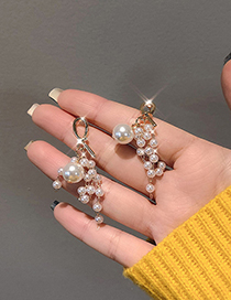 Fashion Golden Pearl Tassel Knotted Earrings