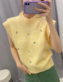Fashion Yellow Floral Embroidered Knit Vest