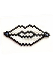 Fashion White Black Border Bead Woven Lips Accessories