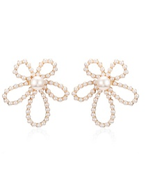 Fashion Pearl White Hollow Flowers And Diamond Earrings