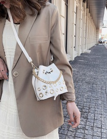 Fashion White Drawstring Eye Chain Single Shoulder Bag