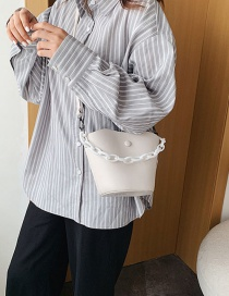Fashion White Chain Hand-held Shoulder Bag