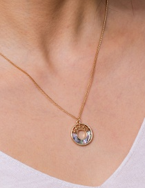 Fashion Golden Irregular Round Hollow Natural Color Abalone Shell Necklace