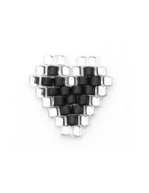 Fashion Black + White Imported Mizhu Hand-woven Love Jewelry Accessories