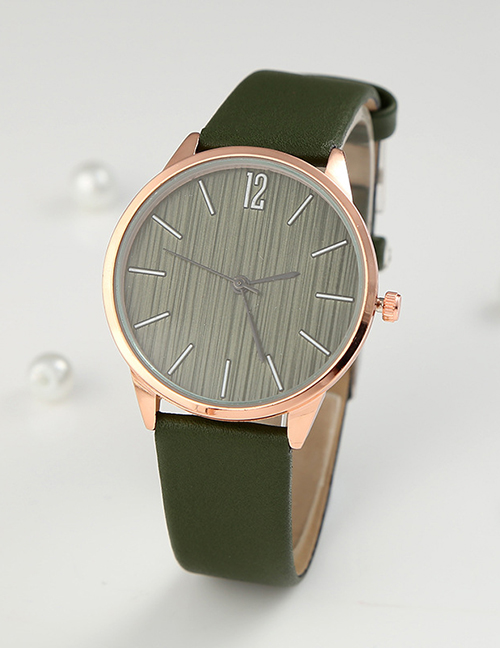 Fashion Dark Green Womens Quartz Watch With Scale Leather Strap