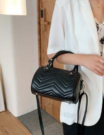 Fashion Black Embroidered Thread Shoulder Messenger Handbag