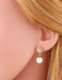 Fashion Golden Pearl Tassel And Diamond Round Earrings