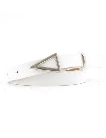 Cinturón Plateado Con Hebilla Triangular