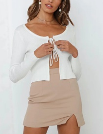 Fashion White Thin Knit Sweater With Chest Tether
