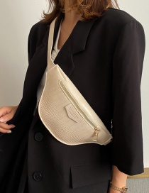 Fashion White One-shoulder Cross-body Chest Bag In Stone Chain