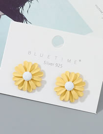 Fashion Yellow+white Real Gold-plated Sunflower Contrast Earrings