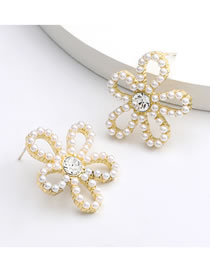 Fashion Flowers Alloy Inlaid Pearl And Diamond Flower Earrings
