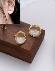 Fashion Gold Coloren Shell Resin Round Alloy Earrings