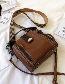 Fashion Brown Soft Leather Stone Grain Zipper One Shoulder Messenger Bag