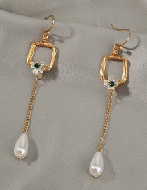 Fashion White Fringed Pearl Petal Natural Stone Alloy Earrings