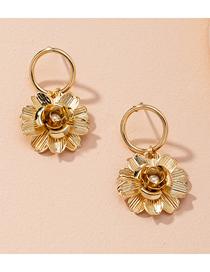 Fashion Golden Flower Three-dimensional Inlaid Pearl Alloy Earrings