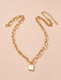 Fashion Golden Lock Shaped Alloy Thick Chain Necklace