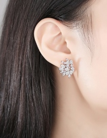 Fashion Platinum Copper Inlaid Zircon Geometric Earrings