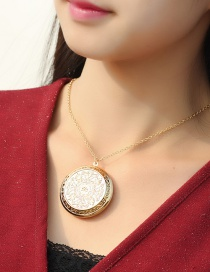 Fashion Kc Gold Pattern Photo Box Can Be Opened Copper Gold-plated Necklace
