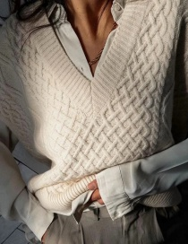 Fashion Beige Eight-strand Knitted V-neck Sweater