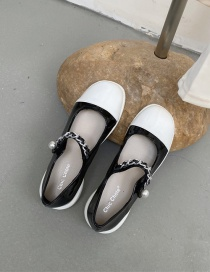 Fashion Black Contrasting Color Buckle Metal Chain Low-heel Shoes