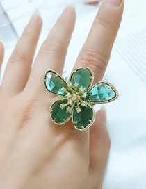 Fashion Green Alloy Ring With Flowers And Diamonds
