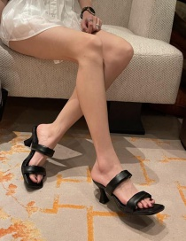 Fashion Black Slim Mid Heel Sandals