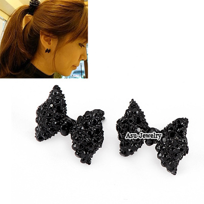Sweet Black Stone Decorated Bear Shape Design Stone Stud Earrings