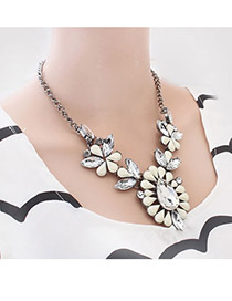 Folding White Exquisite Water Drop Pendant Alloy Korean Necklaces