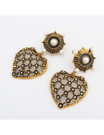 Customized bronze pearl decorated hollow out heart shape design alloy Korean Earrings