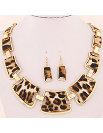 Elegant Gold Color Heart& Round Shape Pendant Decorated Hollow Out Jewelry Sets