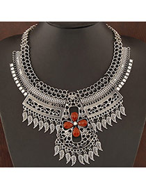 Retro Anti-silver Leaf Decorated Hollow Out Design