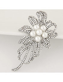 Sweet Silver Color Pearl Decorated Hollow Out Flower Shape Design Alloy Korean Brooches
