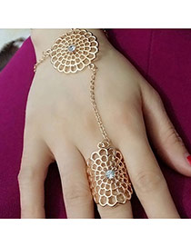 Retro Gold Color Hollow Out Flower Shape Decorated Connection Design