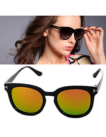 Fashion Yellow Metal Decorated Simple Design Plastic Women Sunglasses