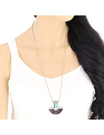 Retro Silver Color Fan Shape Pendant Decorated Simple Design Alloy Bib Necklaces