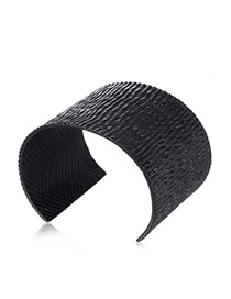 Fashion Black Irregular Shape Decorated Opening Design Alloy Fashion Bangles