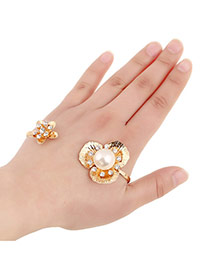 Sweet Gold Color Flower Shape Decorated Opening Design Alloy Fashion Bangles