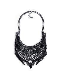 Exaggerated Black Multilayer Pendant Decorated Geometric Shape Design