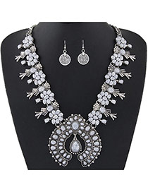Personality White Flower Shape Decorated Short Chain Jewelry Sets