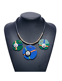 Fashion Green+blue Irregular Button Shape Pendant Decorated Short Chain Necklace